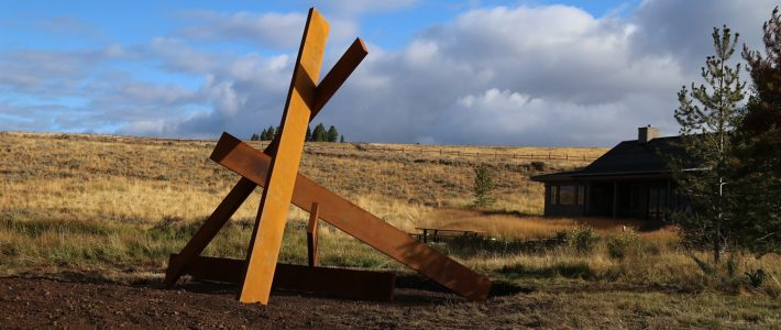 Installation of a monumental sculpture by Etienne Viard in Idaho Springs, Colorado (USA)