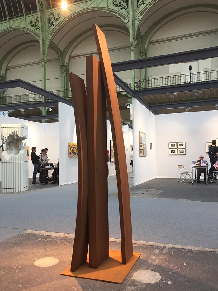"La sculpture monumentale d'Etienne Viard, ""Altea""."